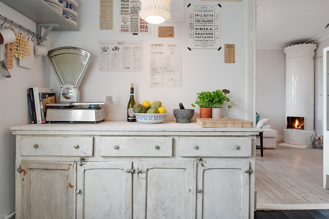 I wish i lived here a vintage home in gothenburg cate - Decoracion vintage cocina ...