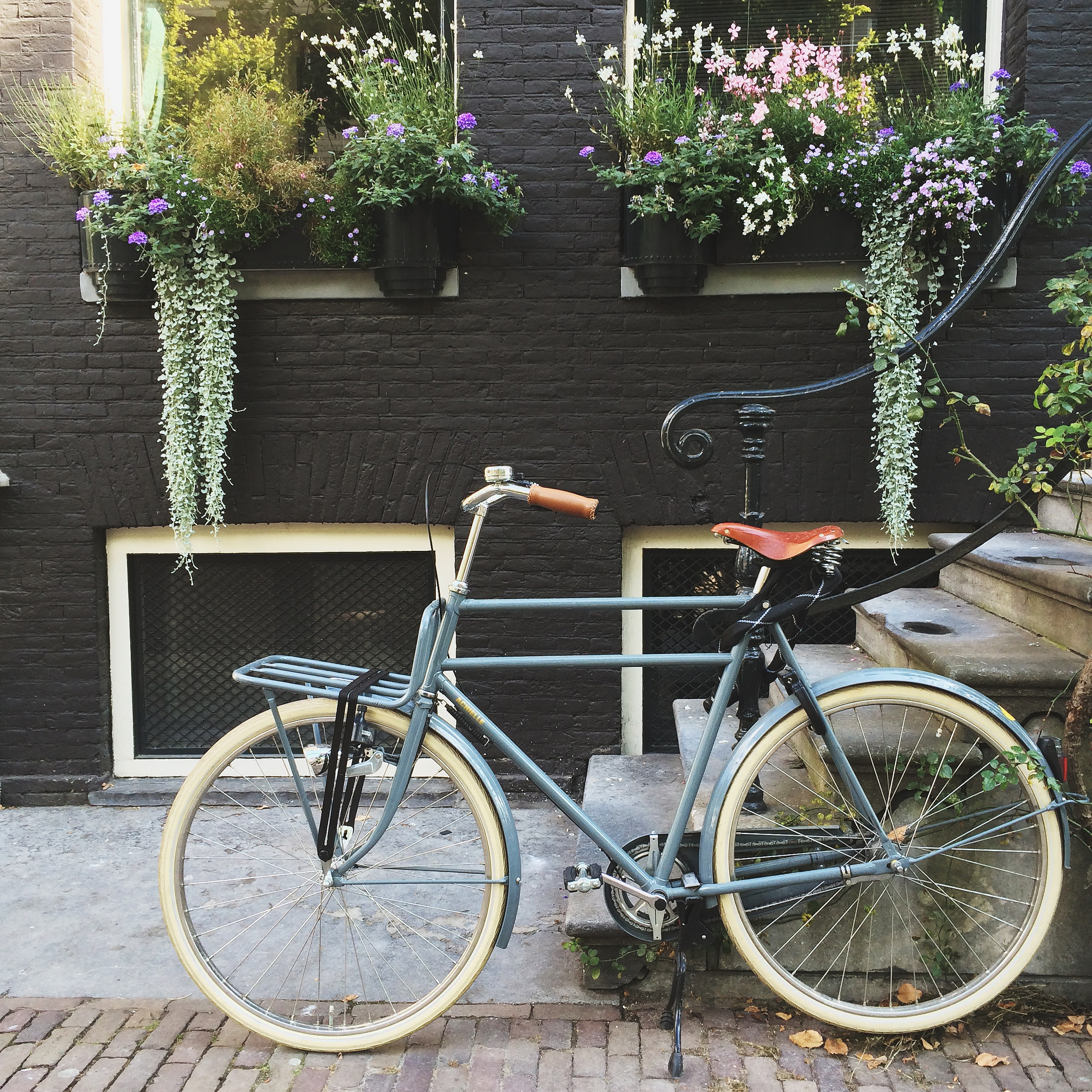 travel-guide-amsterdam-1
