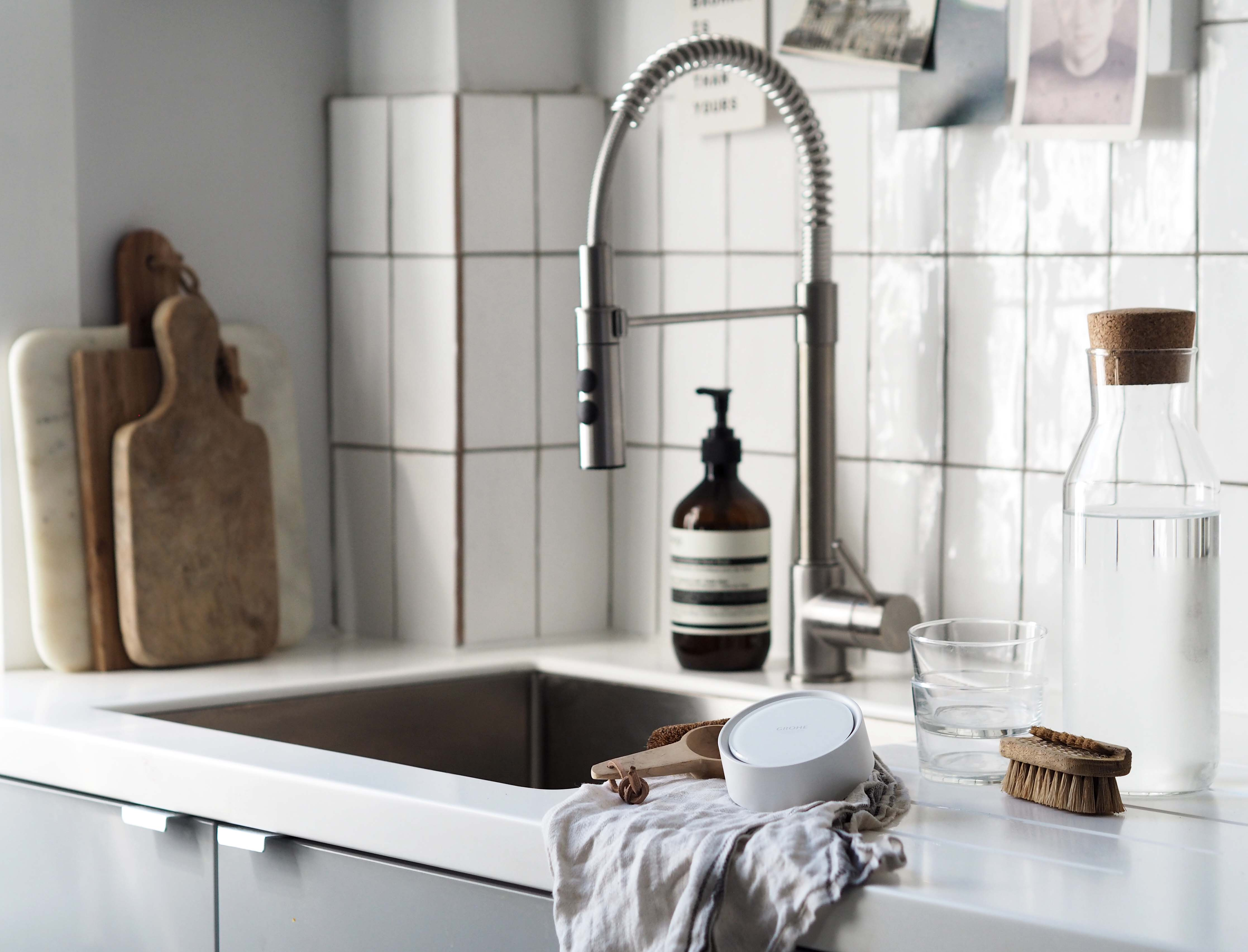 Smart home technology: GROHE Sense protects against water damage - smart leak detector